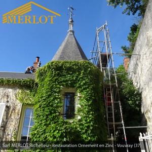 Restauration Epis de faîtage - Ornement en Zinc pour à Vouvray (37) - Restauration ornement de toiture - Sarl MERLOT Richelieu - Région Centre - Val de Loire - France