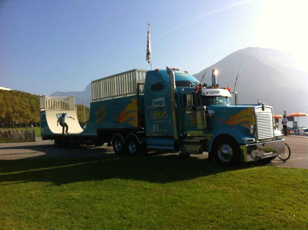 Rampe sur camion pour évenement Sosh Truck - Wood Structure Skatepark