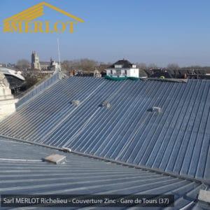 Rénovation de Couverture Ardoise Zinc et Plomb - Gare de Tours (37) - Sarl MERLOT Richelieu - Charpente Bois Merlot