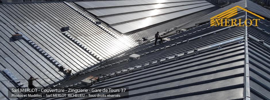 Rénovation de Couverture Ardoise et Zinc - Faîtage et Ornement en Plomb - Gare de Tours (37) - Sarl MERLOT Richelieu - Charpente Couverture Zinguerie - Région Centre Val de Loire - Neuf et Restauration - Charpente Bois Merlot