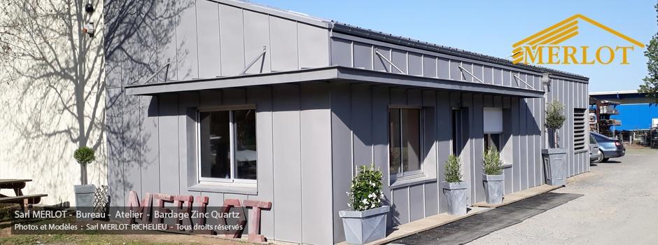 Bardage Zinc Quartz - Isolation et Ossature bois - Travaux en neuf et rénovation sur les bureaux des Ateliers de la Sarl Merlot Richelieu (37) Région Centre Touraine Val de Loire.