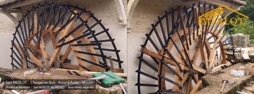 Rénovation de la Roue à Aube du Moulin de Vouneuil-sous-Biard, situé dans l'arrondissement de Poitiers (Département de la Vienne (86) - Région Nouvel Aquitaine). Travaux de rénovation de Charpente bois réalisés par la Sarl Merlot Richelieu (37)